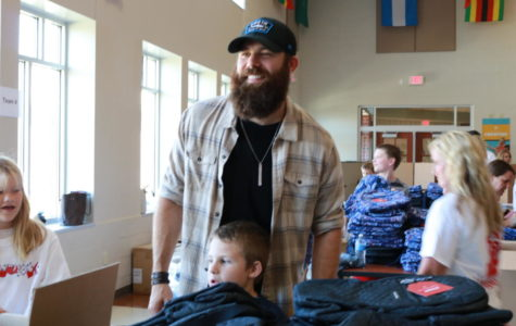 Country singer Jordan Davis supports Noblesville kids in need