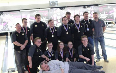 Noblesville bowling team wins state